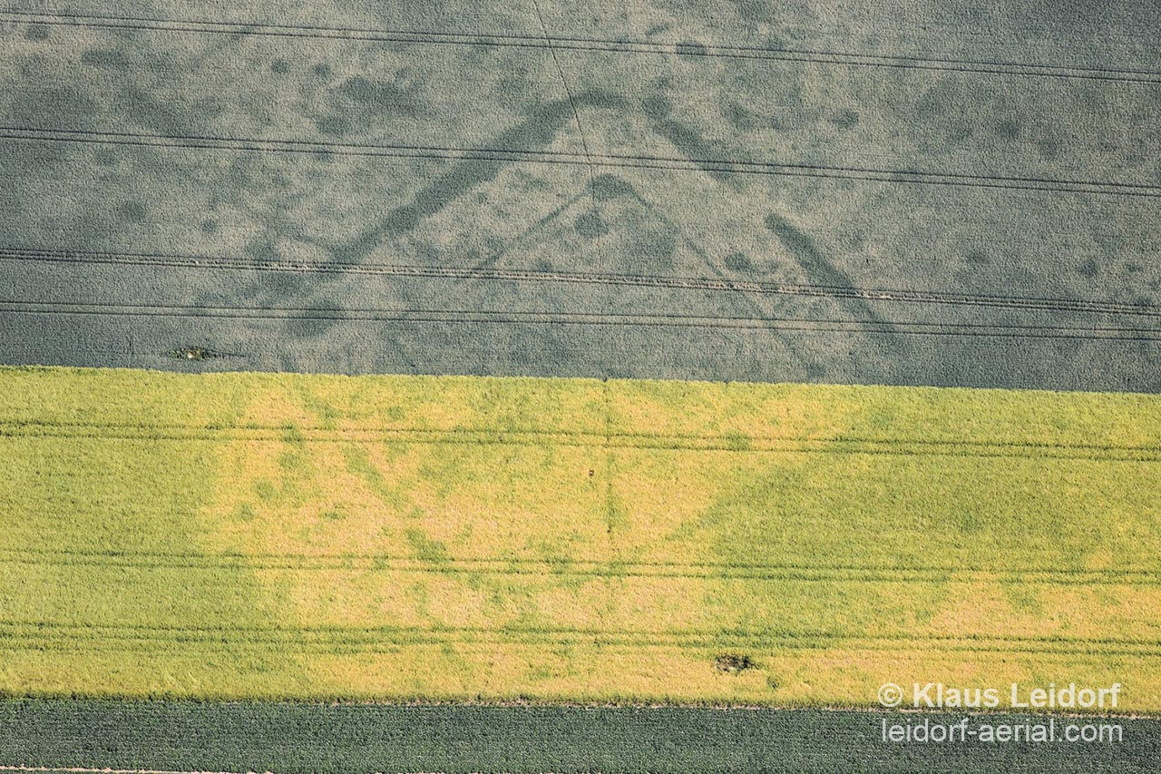 Aerial of positive cropmarks of a manor house near Regensburg in Bavaria from the Hallstatt age. 2009-06-17