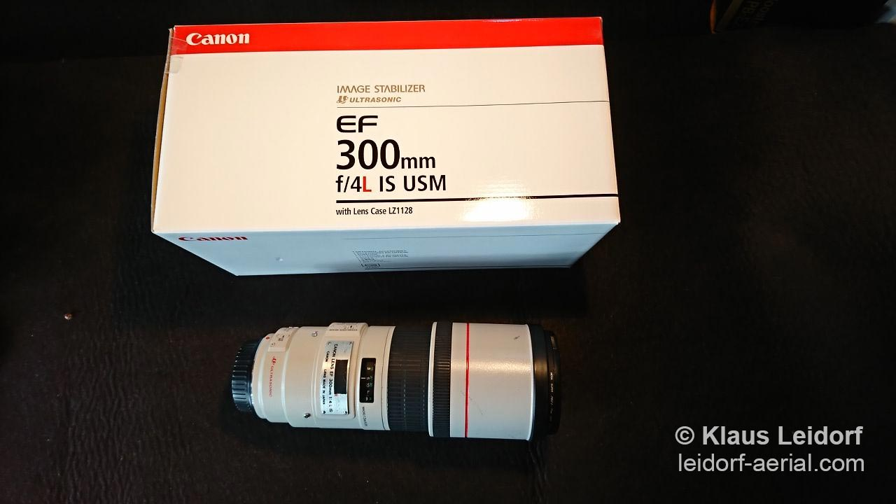 Canon EF 300mm f/4L IS USM zoom lens with image stabilizer